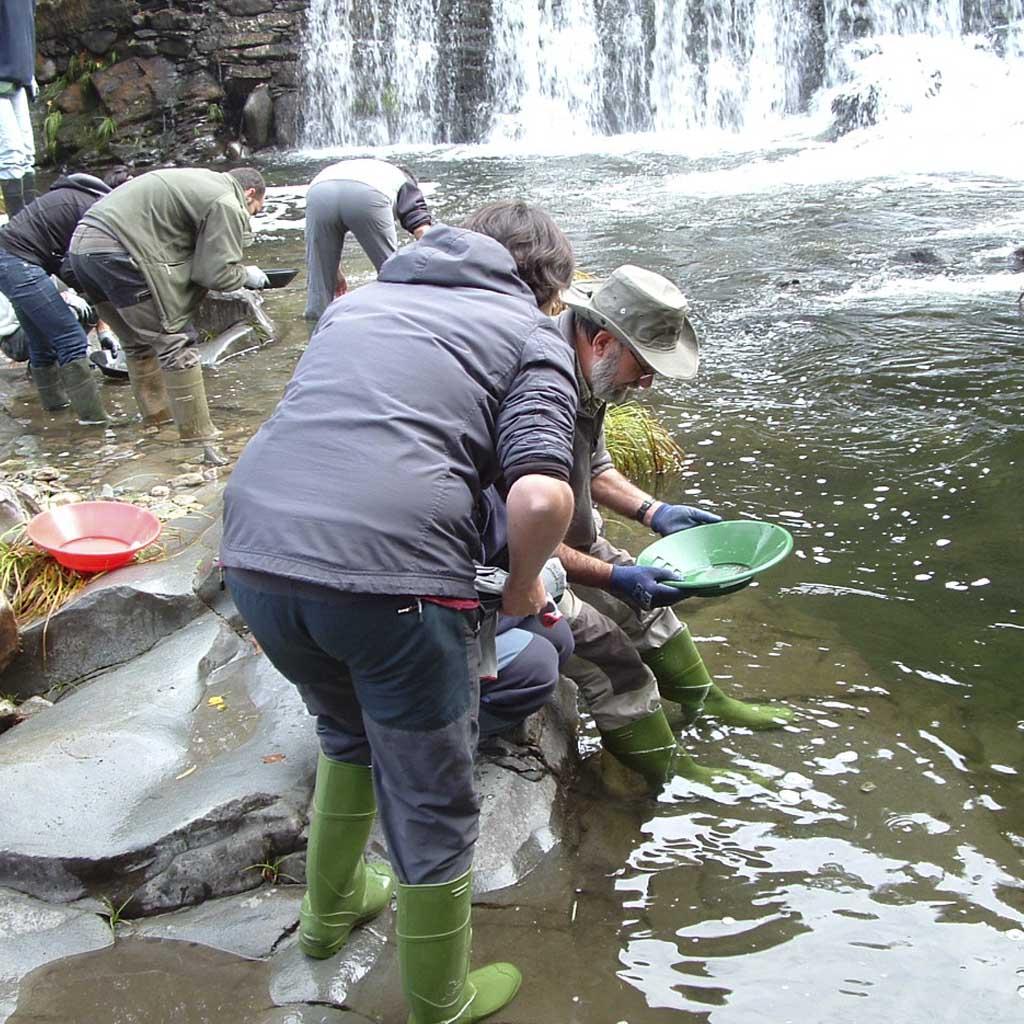 Casa Rural El salgueiro ancares burbia alquilar buscado oro rio Burbia